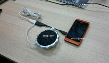 Il Nokia N8 diventa un massaggiatore