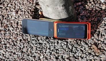 Nokia CBD vs Apple Retina display