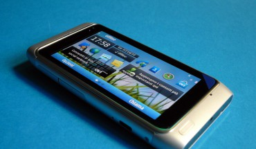 Nokia N8 unboxing