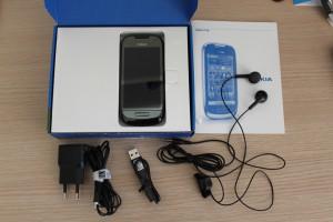 Nokia C7-00 _ Confezione e dotazione