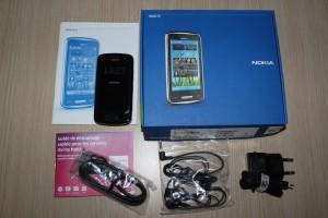 Nokia C6-01 - Dotazione