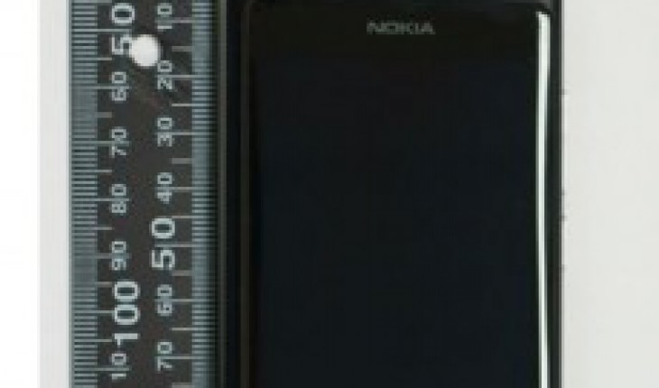 Nokia RM-819