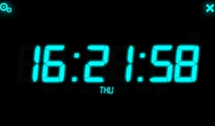 Luce notturna per symbian l 39 app che trasforma il cellulare in un pratico orologio digitale da - Orologio da tavolo digitale ...