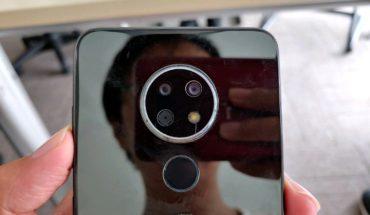 Foto di un inedito smartphone Nokia