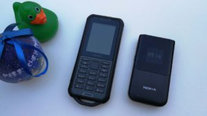 Nokia 800 Tough e Nokia 2720 Flip