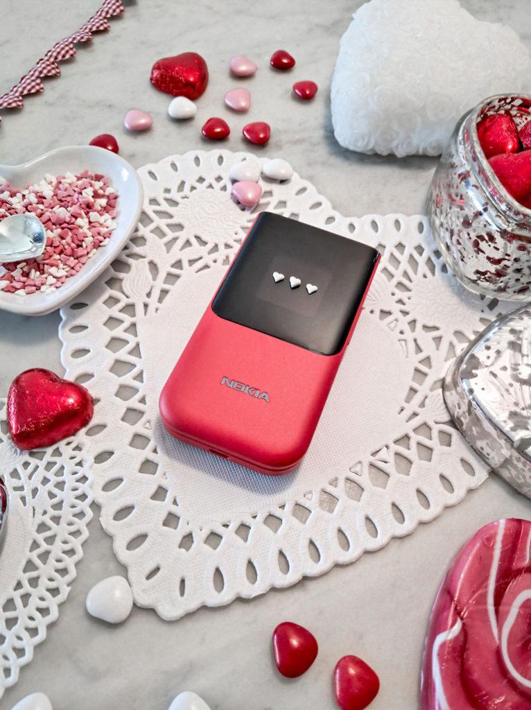 Nokia 2720 Flip con scocca rossa