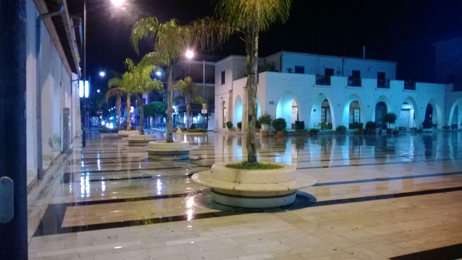 di sera con pioggia